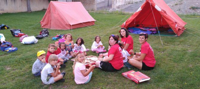 Los peques de la Escuela de Verano de acampada!!!